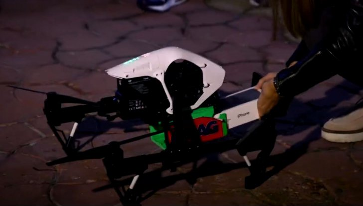 eMAG a livrat primul iPhone 7 cu o drona